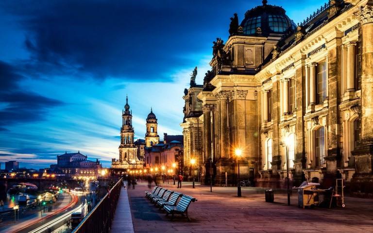 ข้อมูลเยอรมนี   เรียนต่อ ปริญญา ตรี -โท เยอรมัน